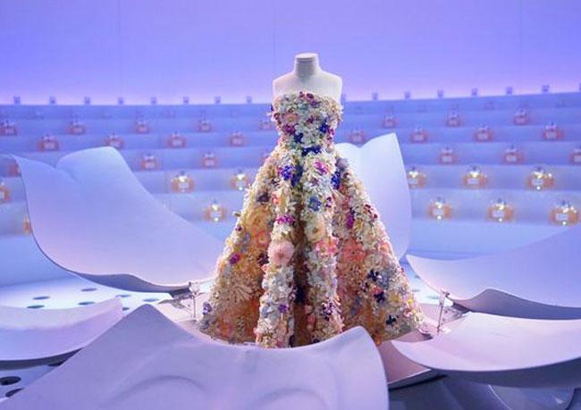 Выставка миниатюр Le Théâtre Dior открылась в Дубае