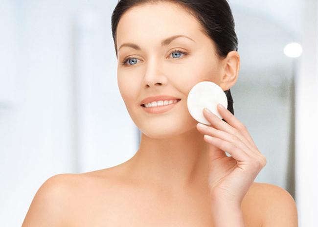 Как правильно и без последствий снимать макияж